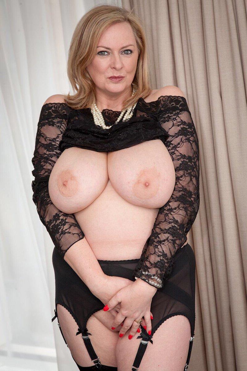 cum on tits courtesan escorts