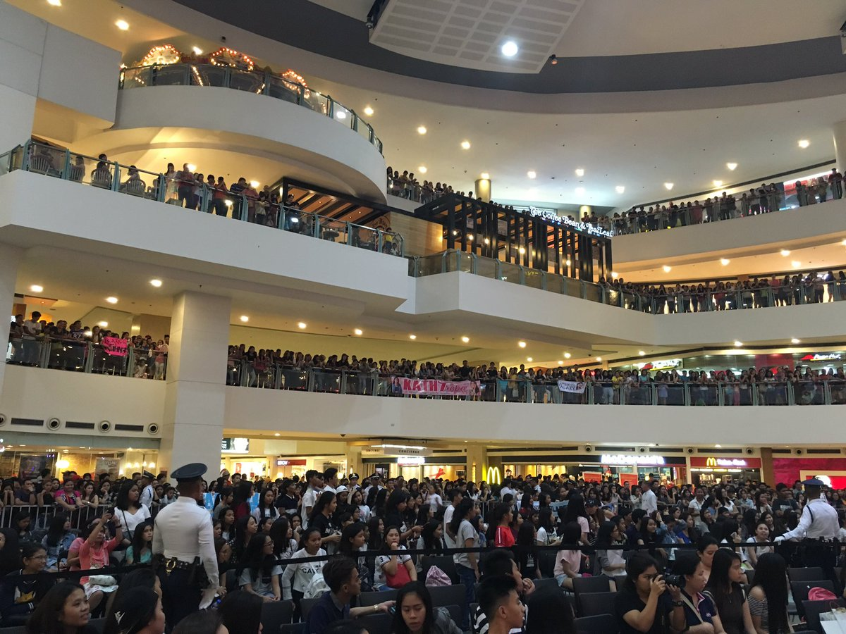 Full house for Kathniel here at the Activity Center! #CantHelpFallingInLove https://t.co/0lzHoCSd3f