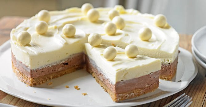 Our 10 best #cheesecake recipes (number 4 though...) https://t.co/vXNZdCZiEq