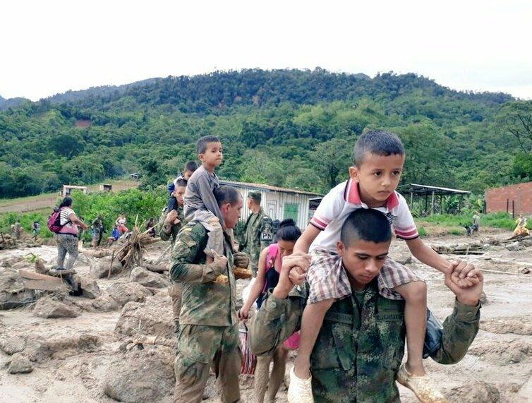 Valanga di fango Colombia: oltre 250 vittime, si cercano due italiani a Mocoa | FOTO VIDEO | Aggiornamento ultime notizie