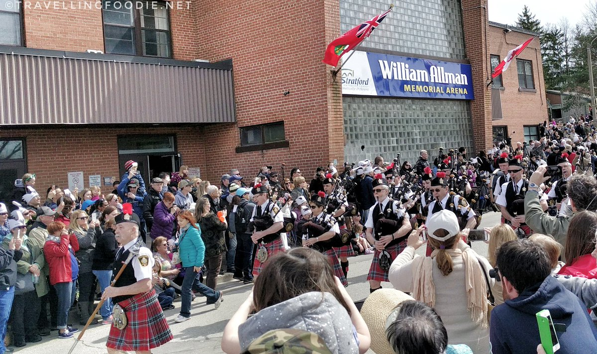 Stratford Swan Parade: Stratford Police's pipes and drums marching
