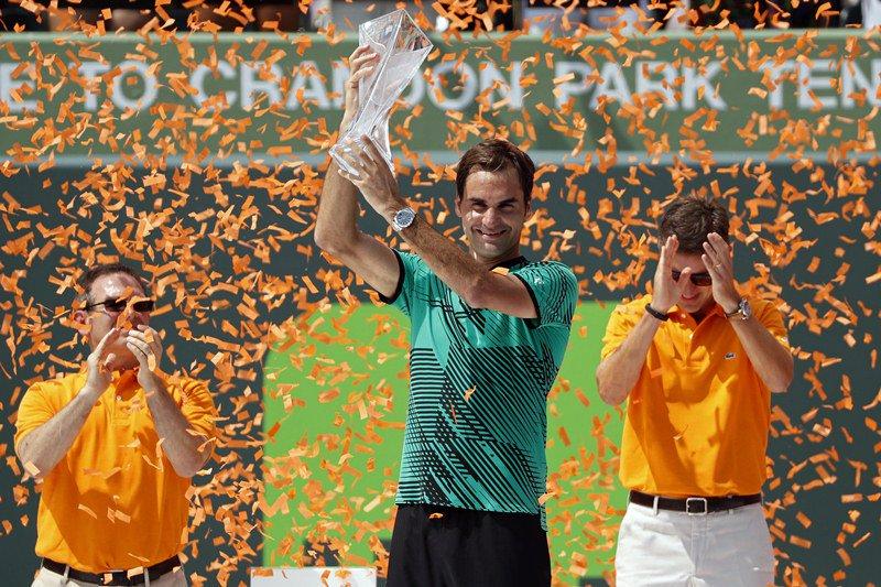 Tennis Leggenda: Federer vince Nadal a Miami e fa tris come nel 2006