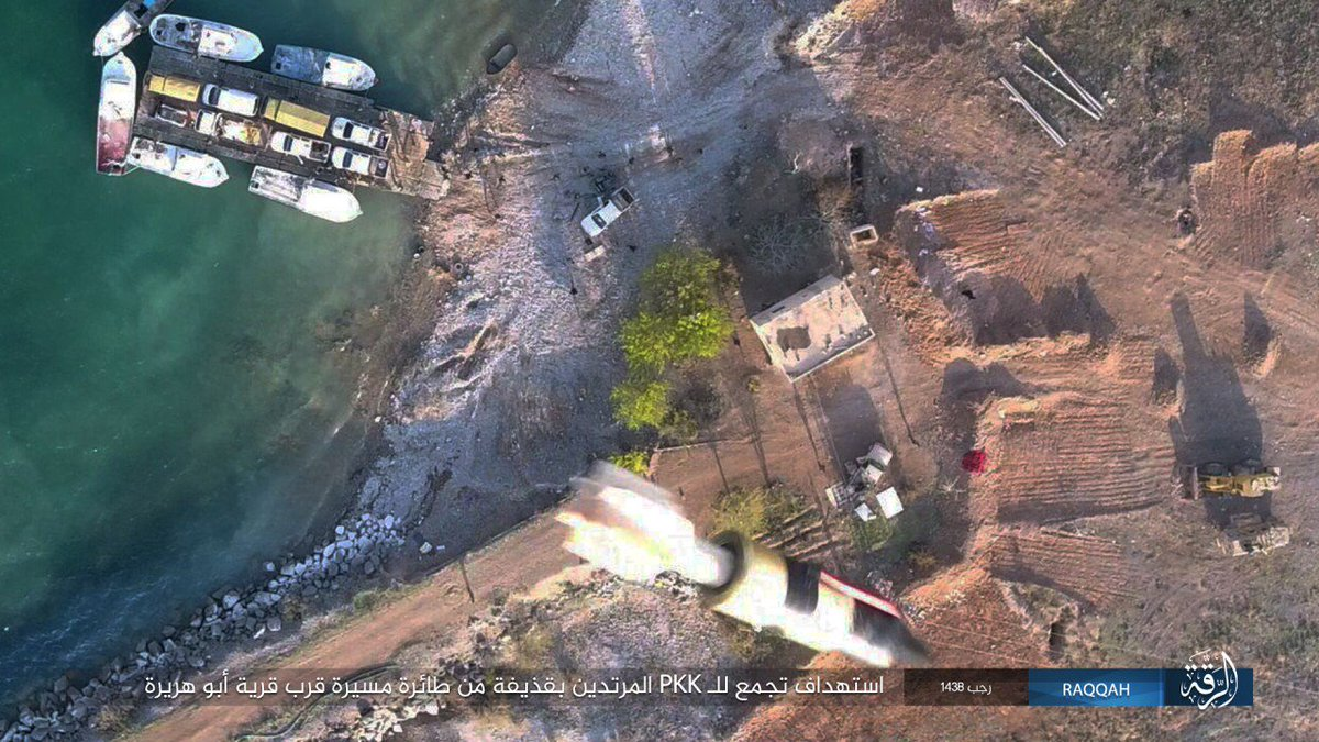 PHOTOS: ISIS drone drops bombs on SDF troops crossing Euphrates River. - @CT_operative https://t.co/TEdL2FlFQr