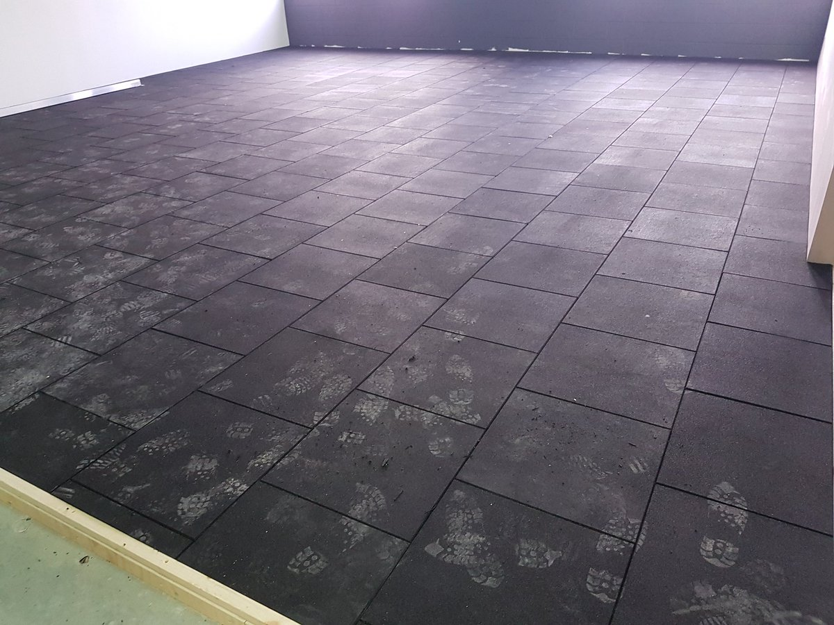 Afb Flooring Ltd On Twitter 30mm Rubber Tiles Installed To Weights