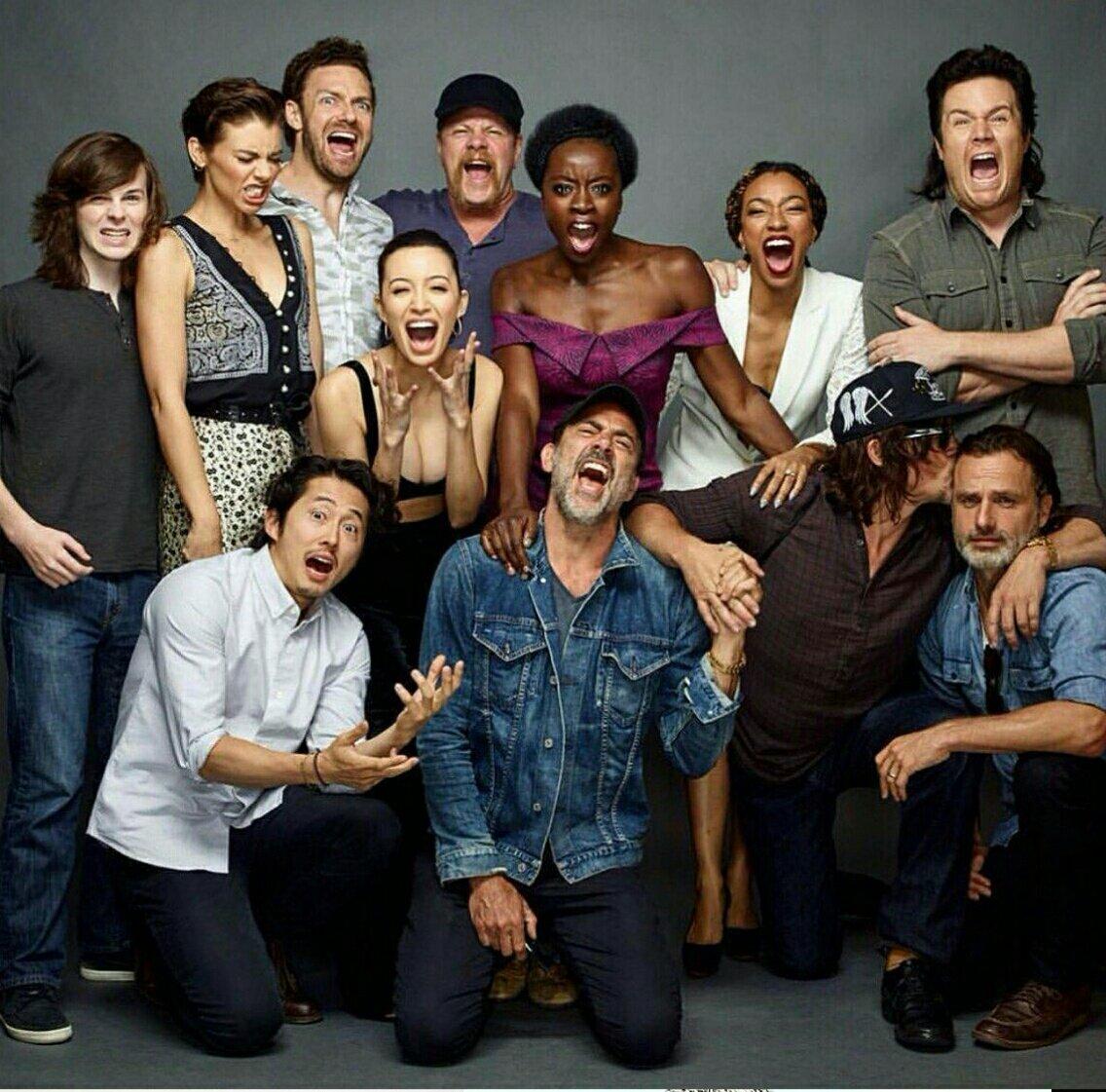 The Walking Dead Temporada 8: Noticias,Fotos y Spoilers.  C8d0n-hUAAAwks1