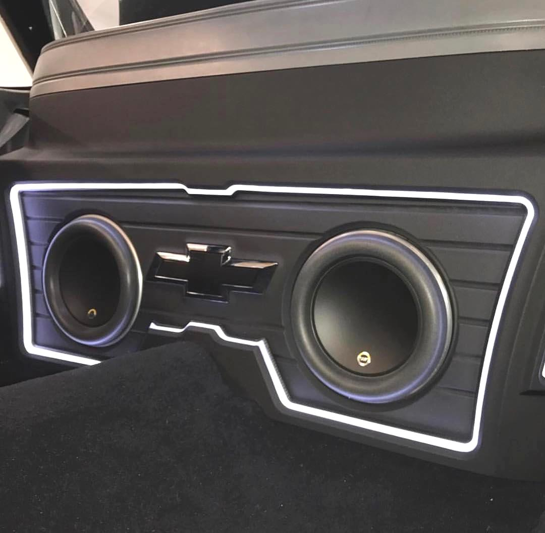 Repost from 12vmisfits want your posts on this page send us a dm custom stereo installation