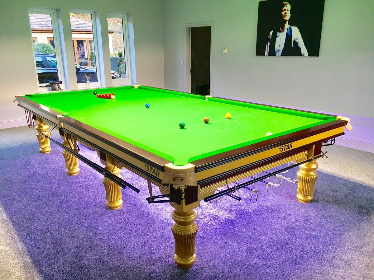 Simon Barker Woofwoof Twitter - Star pool table