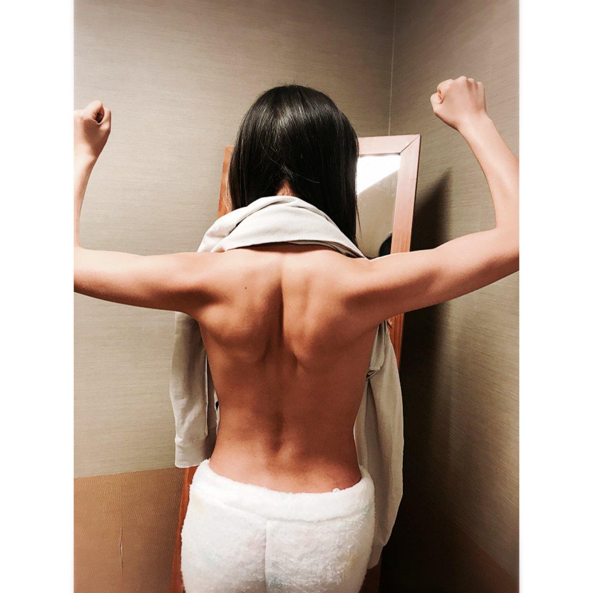 私の背筋  筋肉さんを育てるのが最近楽しくて仕方ないです。 https://t.co/vQUuvs8deK