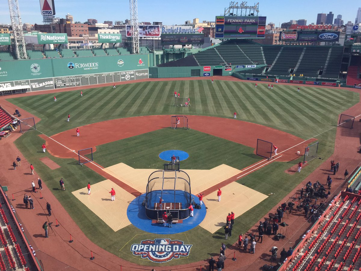If this doesn't make you fired up for baseball, you don't have a pulse. #OpeningDay #RedSox https://t.co/jxKChEw0fU