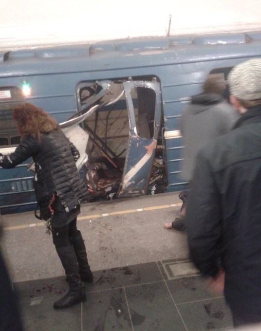 Ten people killed in series of blasts that rocked subway in Russian Saint Petersburg 01