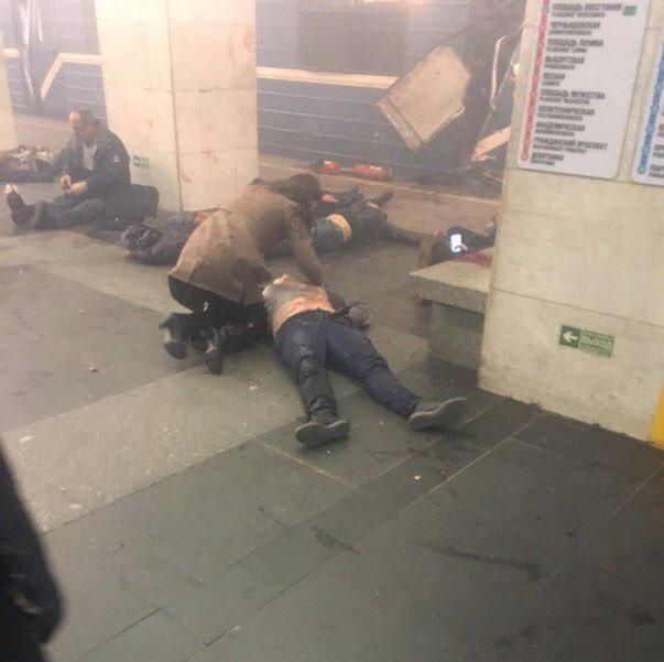 У метро Санкт-Петербурга пролунало кілька вибухів: 10 загиблих, - ЗМІ 02