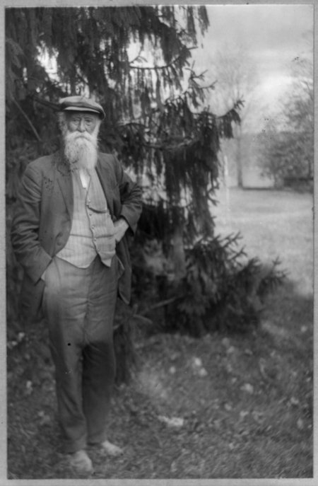 Today in History: John Burroughs -learn with #primarysources https://t.co/AJdDPkaeXX #tlchat #sschat #engchat #scichat #edchat #conservation https://t.co/Yq2EJZkjzw