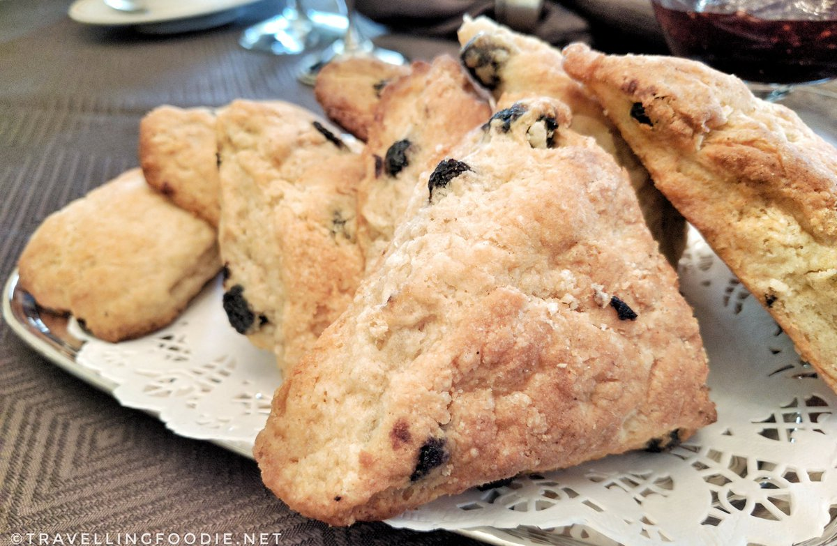 Mornington Rose Bed and Breakfast: Cherry Maple Scones