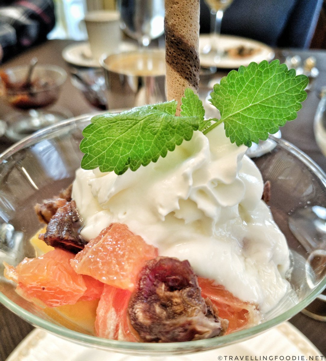Mornington Rose Bed and Breakfast: Orange and Dates Yogurt