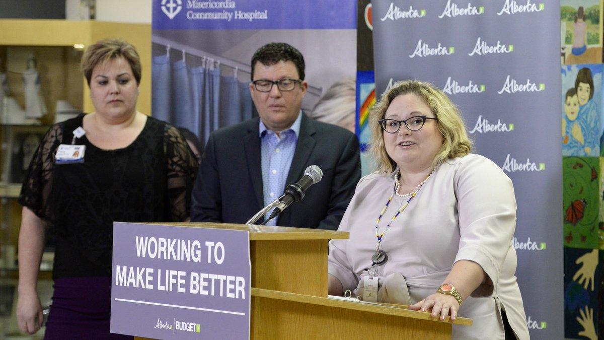 Tana Fish, Patrick Dumelie and Minister Sarah Hoffman at Misericordia Hospital