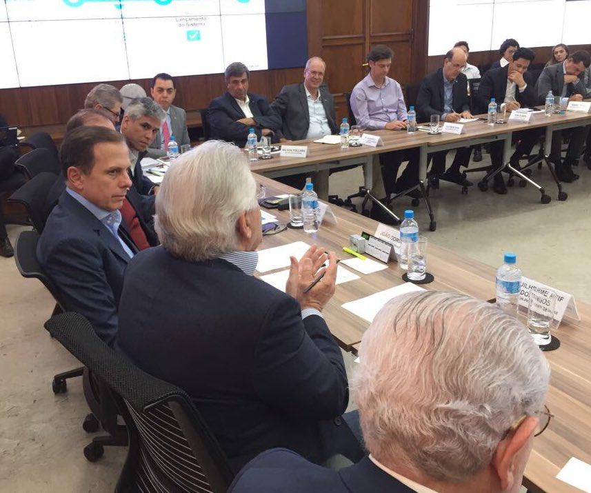 Apresentando avanços e próximos passos do Empreenda Fácil para grandes lideranças do setor produtivo. Mais incentivo p empreendedores de SP