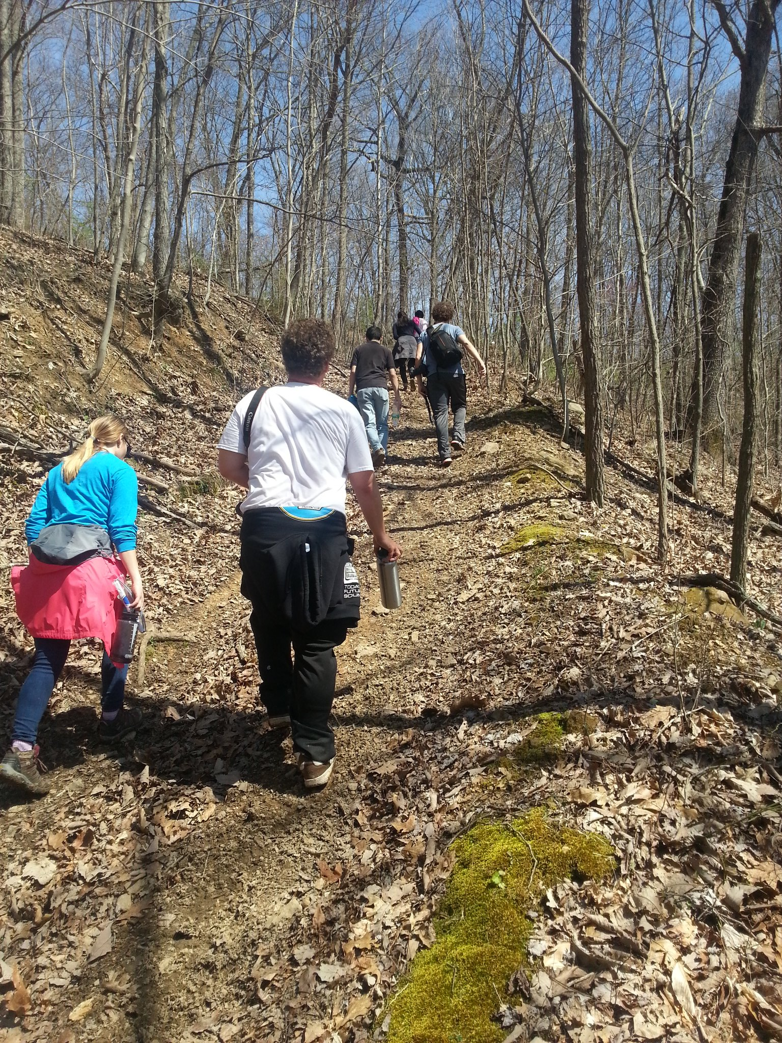 #fulbrightamizade,#Appalachia, hiking with Tim from Wellness Center, Williamson, WV. commitment brings to the top. https://t.co/eyHI5tJ8W9