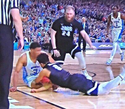 HOW DID THE REFS MAKE A BILLION CALLS IN THE SECOND HALF BUT MISS THIS ONE?!?
