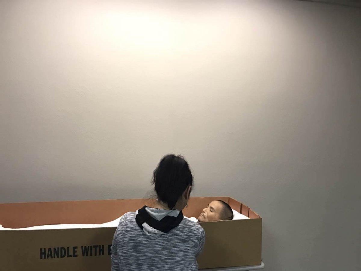 """葛洵:看到余志坚先生逝世后躺在一个纸质的棺材里,我没有感到心酸。非常有""""马革裹尸""""的风范,我离开这个世界的时候,绝对不可以超过这样。可以想象:他的家人多么困难。 人道中国会把每一分为余志坚先生的捐款送给他的家人。 https://t.co/IIt1Cj4fZ4"""