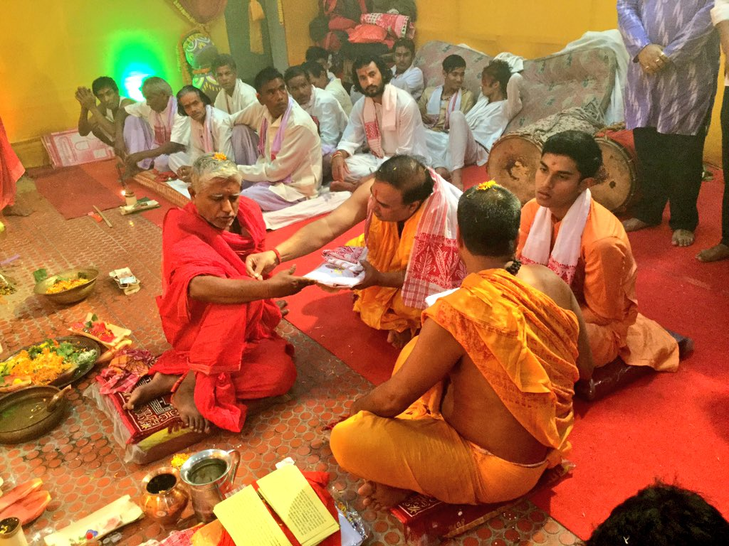 Himanta Biswa Sarma On Twitter Performing Ashtami Puja My