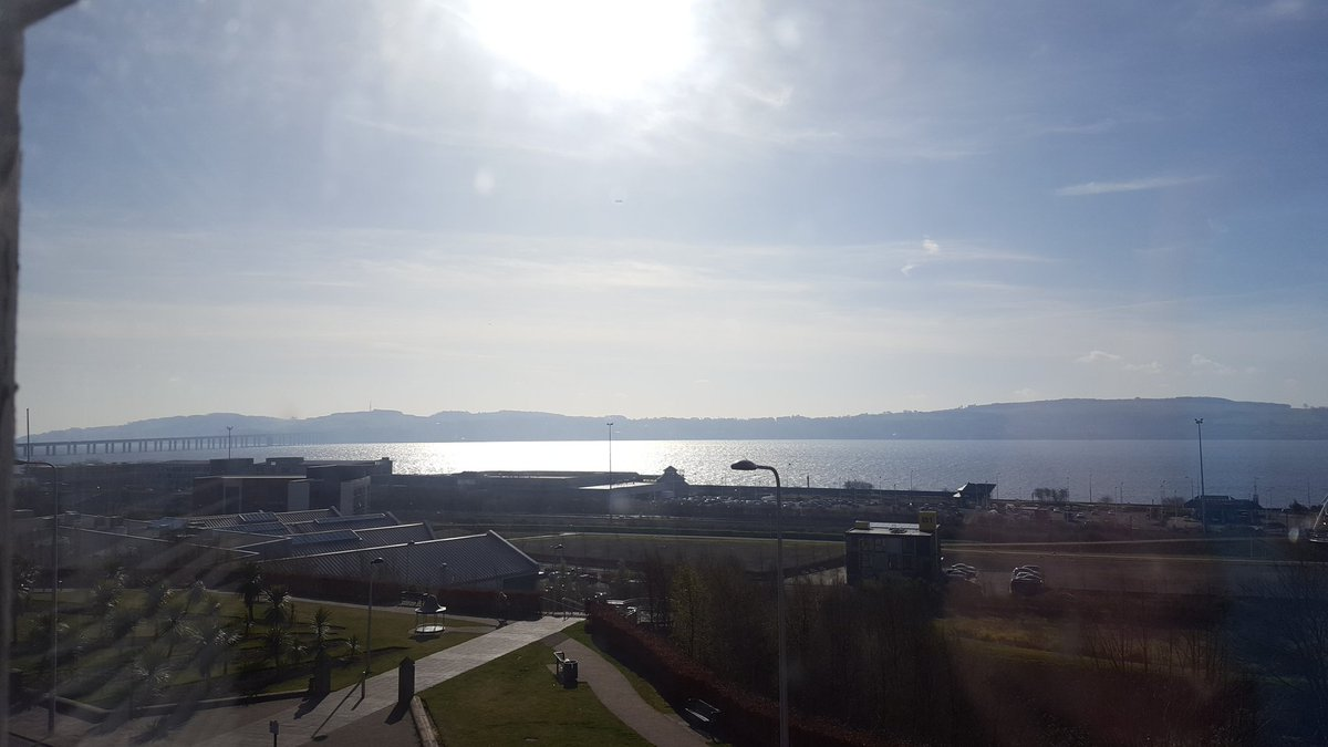 Another beautiful day at #11PerthRoad #dundeeuni<br>http://pic.twitter.com/3kZ0trLmv2