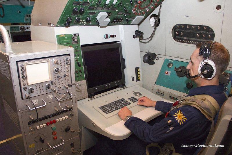 من داخل الأواكس الروسية الجديدة А-50У  C8jz-z5XsAA0fo5