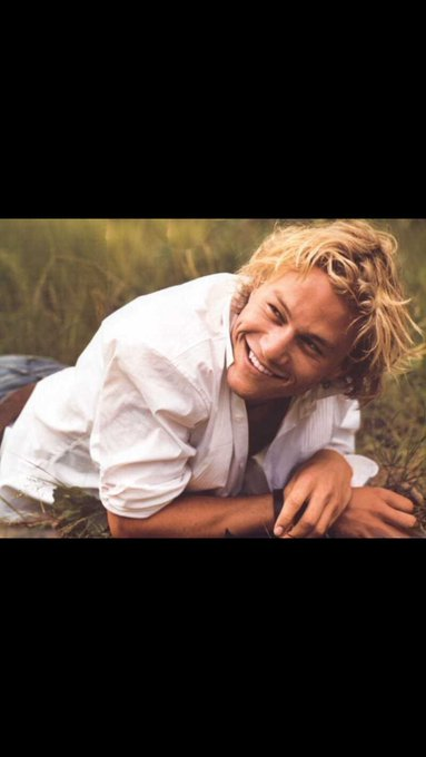 Happy Birthday to my fave Aussie, Heath Ledger!! You are greatly missed!!