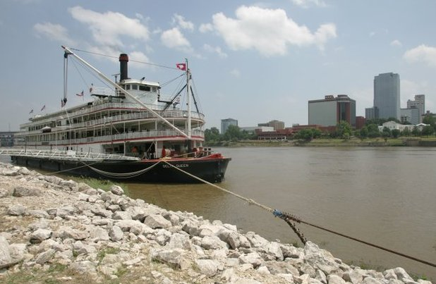 Senate OKs waiver that could have the Delta Queen cruising again. Sen. @JohnBoozman, @SenTomCotton co-sponsor bill » https://t.co/OzVE56AiD5