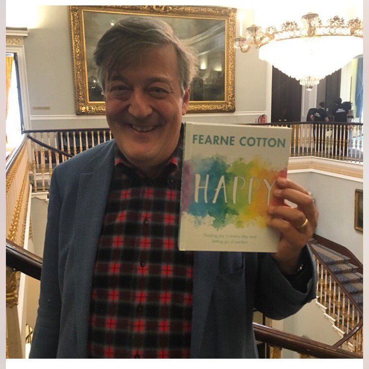 Surreal, thrilling, joy inducing photo. A total dream come true! @stephenfry @MindCharity #HAPPY https://t.co/YdPkOFiJFk