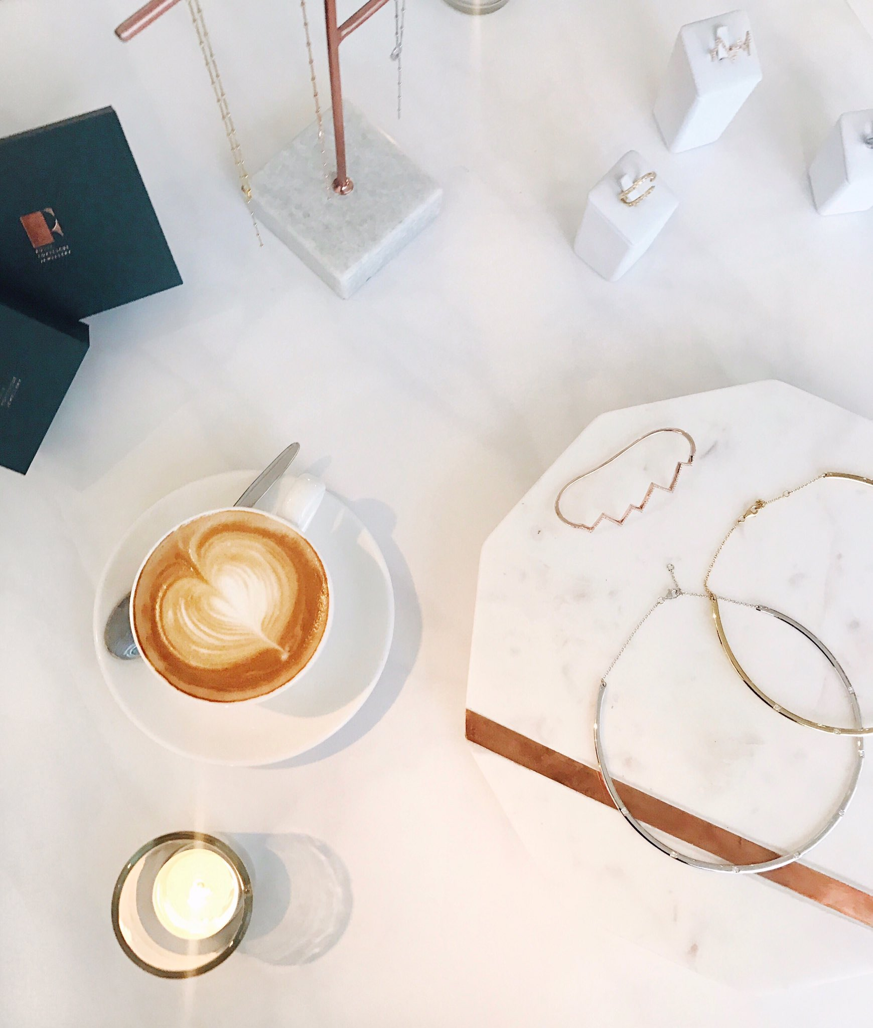 RT @Jessie_Vee: Coffee and cuffs, Chelsea style 💫 Congrats on your ✨third✨collection, @rosiefortescue! https://t.co/kWsSFx69bU