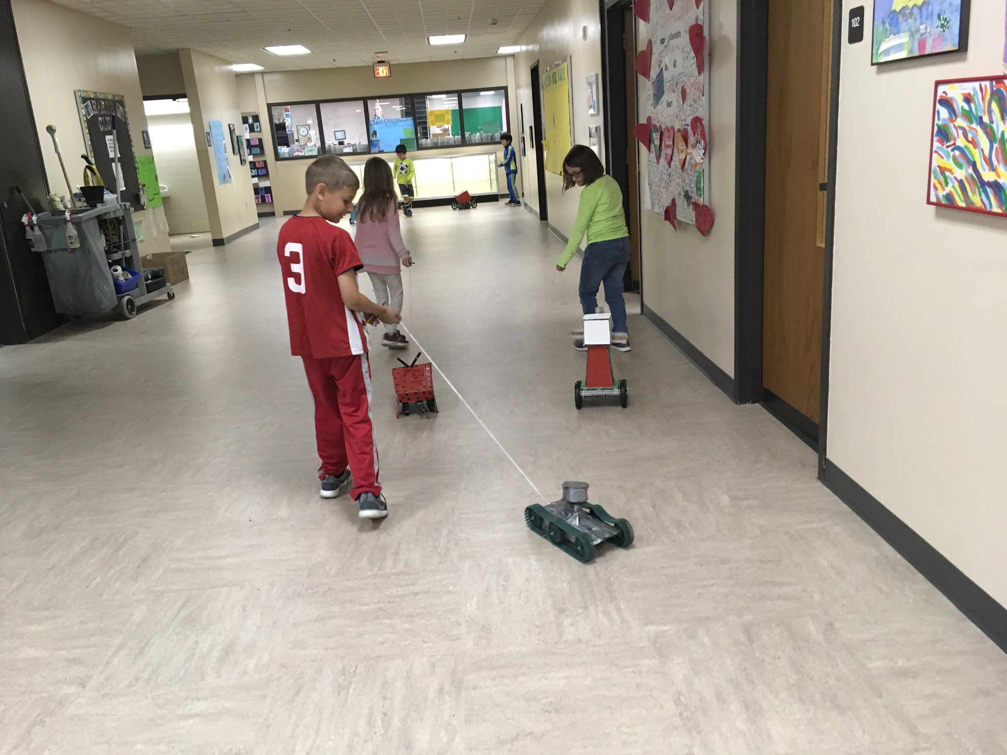 .@sceDCSD 1st graders test pull toys made by 8th grade STEM students @KarrerMS. #theDublinDifference https://t.co/r7ZGVdfZK3