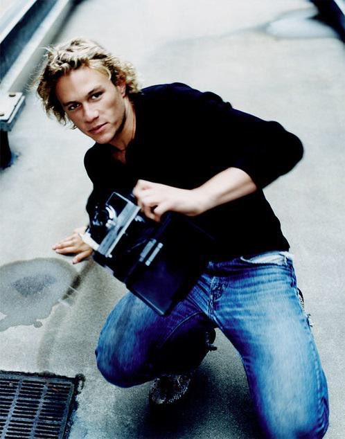 Happy birthday to one of the greatest actors of my time and my favorite man to ever live, heath ledger.
