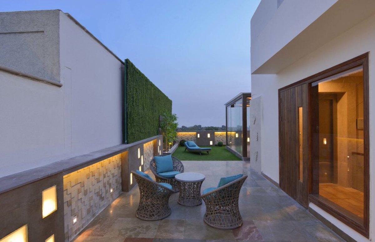 ديكور اليوم Auf Twitter تنسيق سطح المنزل بمسطحات خضراء وكراسي و جلسات استرخاء