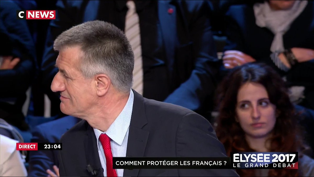 #LeGrandDebat Mélenchon : 'psst Lassalle !' Lassalle : 'J'ai entendu pastis ?!!'
