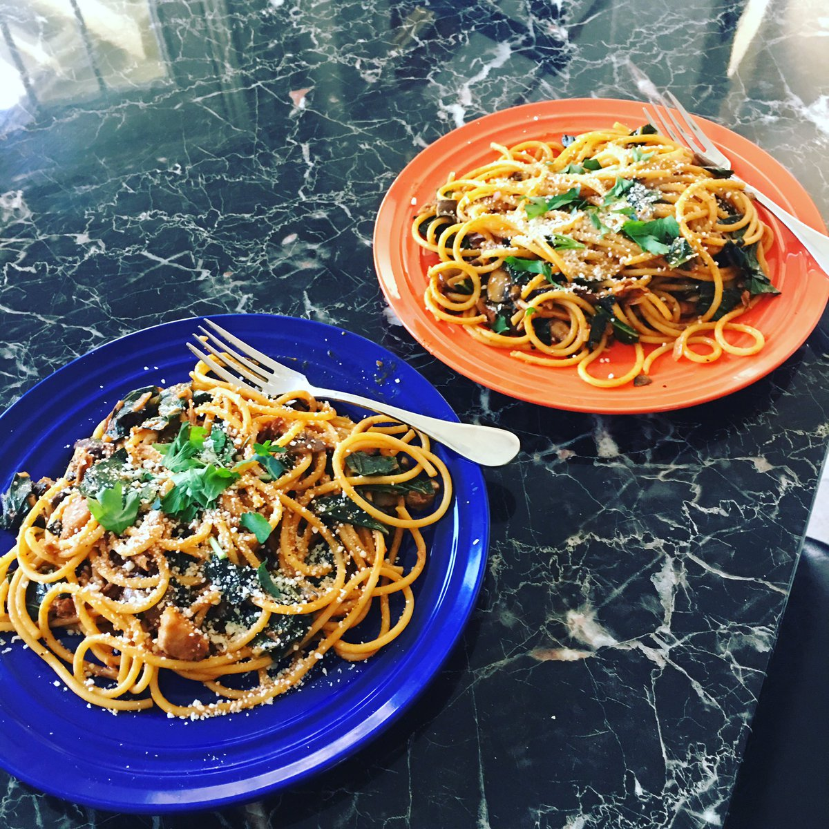 Blue apron bucatini - Jeremy Dooley On Twitter Tonight S Blueapron Is Mixed Mushroom Bucatini With Collard Greens Pecorino Cheese I Love Mushrooms So I M On Board