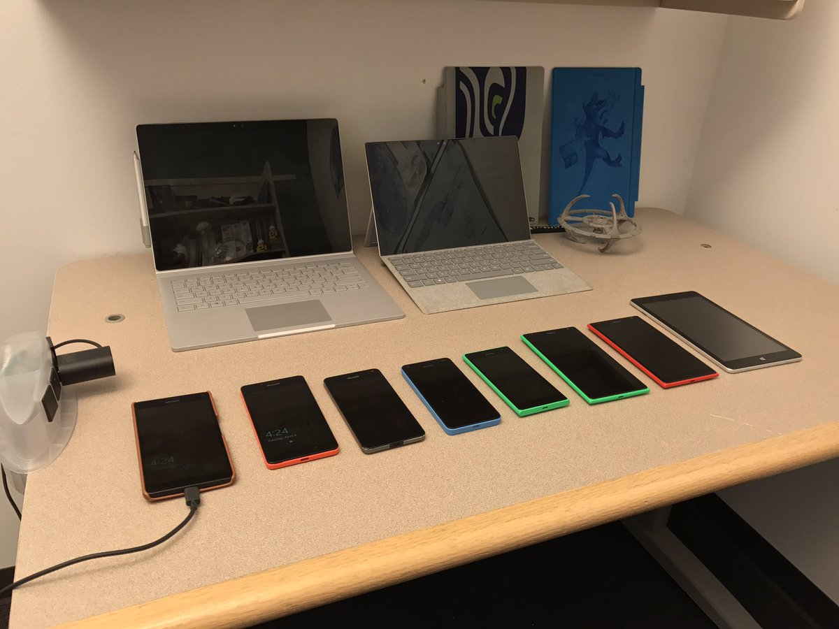 Because #WindowsInsiders liked the photo @donasarkar took in my office yesterday... MOAR DEVICES! https://t.co/0FVKe7z4io