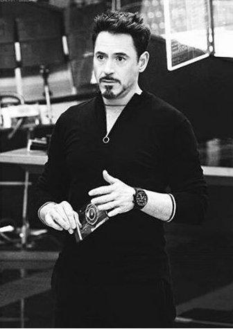 Parabéns Tony Stark, o ator que faz Robert Downey Jr completa 52 anos. Não pera.  Happy Birthday RDJ