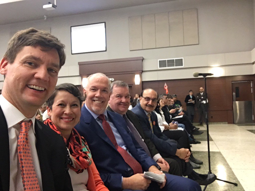 Excited to be at tonight's @metvanalliance Provincial Election Assembly with BC's next premier @jjhorgan and my pals. https://t.co/k4NCmfAjfe