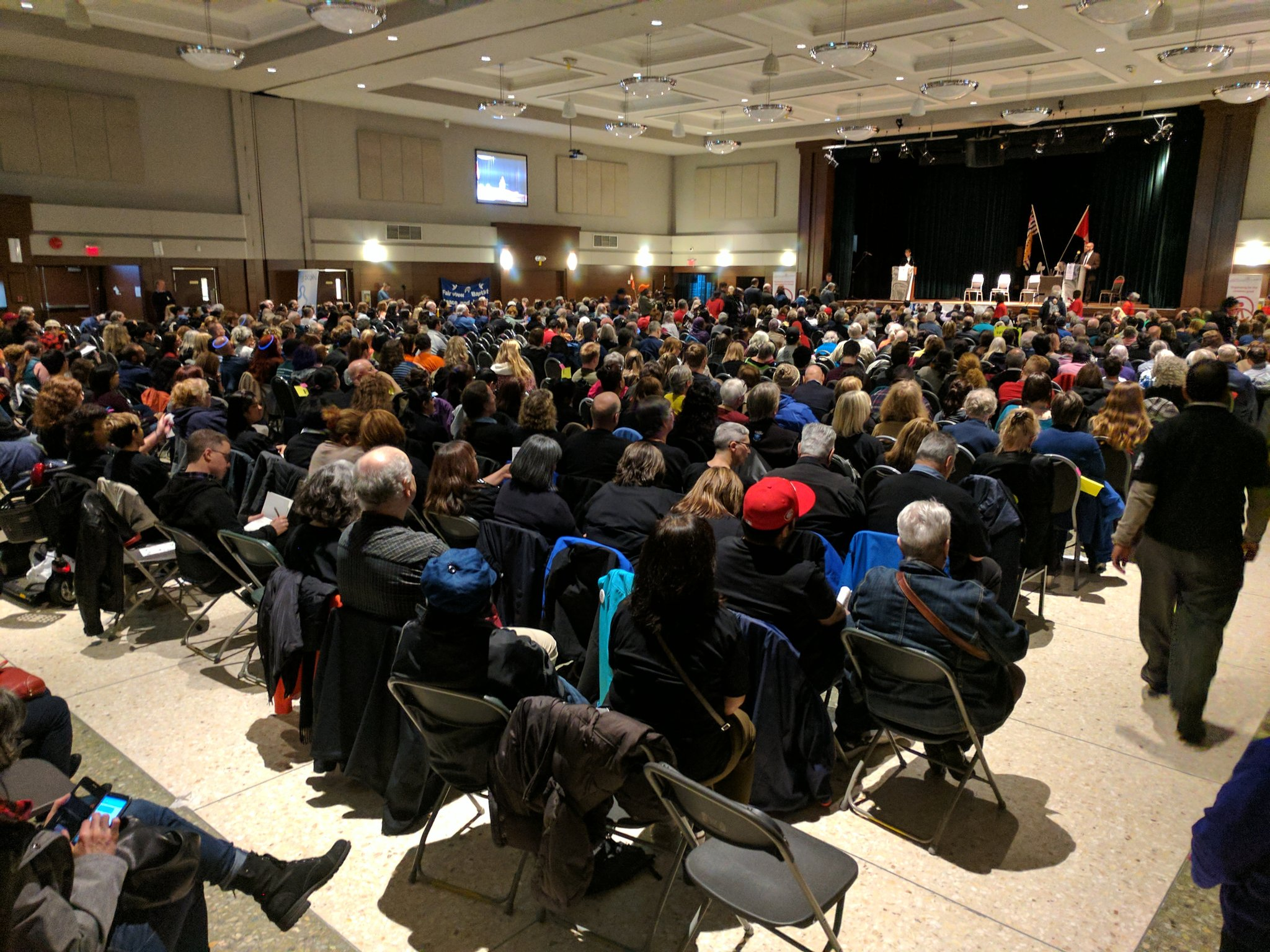 At the @MetVanAlliance Accountability Assembly. 900 folks in attendance demanding accountability from our elected leaders #bcelxn17 #bcpoli https://t.co/yKH5ubjkQF