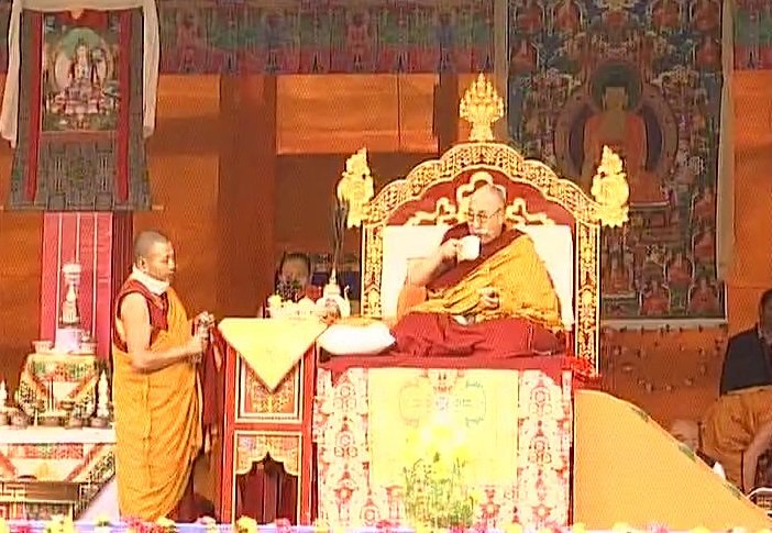 #ArunachalPradesh: The Dalai Lama's preaching session underway in West Kameng district's #Bomdila. https://t.c