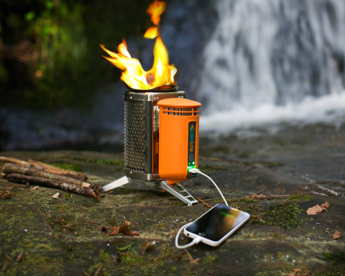 Use this USB Charging Camp Stove to recharge your phone in the woods:  http:// ow.ly/QJCa30audJ5  &nbsp;    #comping #greem <br>http://pic.twitter.com/QT6e9Fv1lR