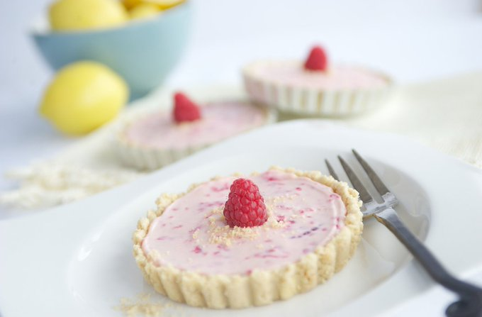 Recipe: White Chocolate & Raspberry Cheesecake