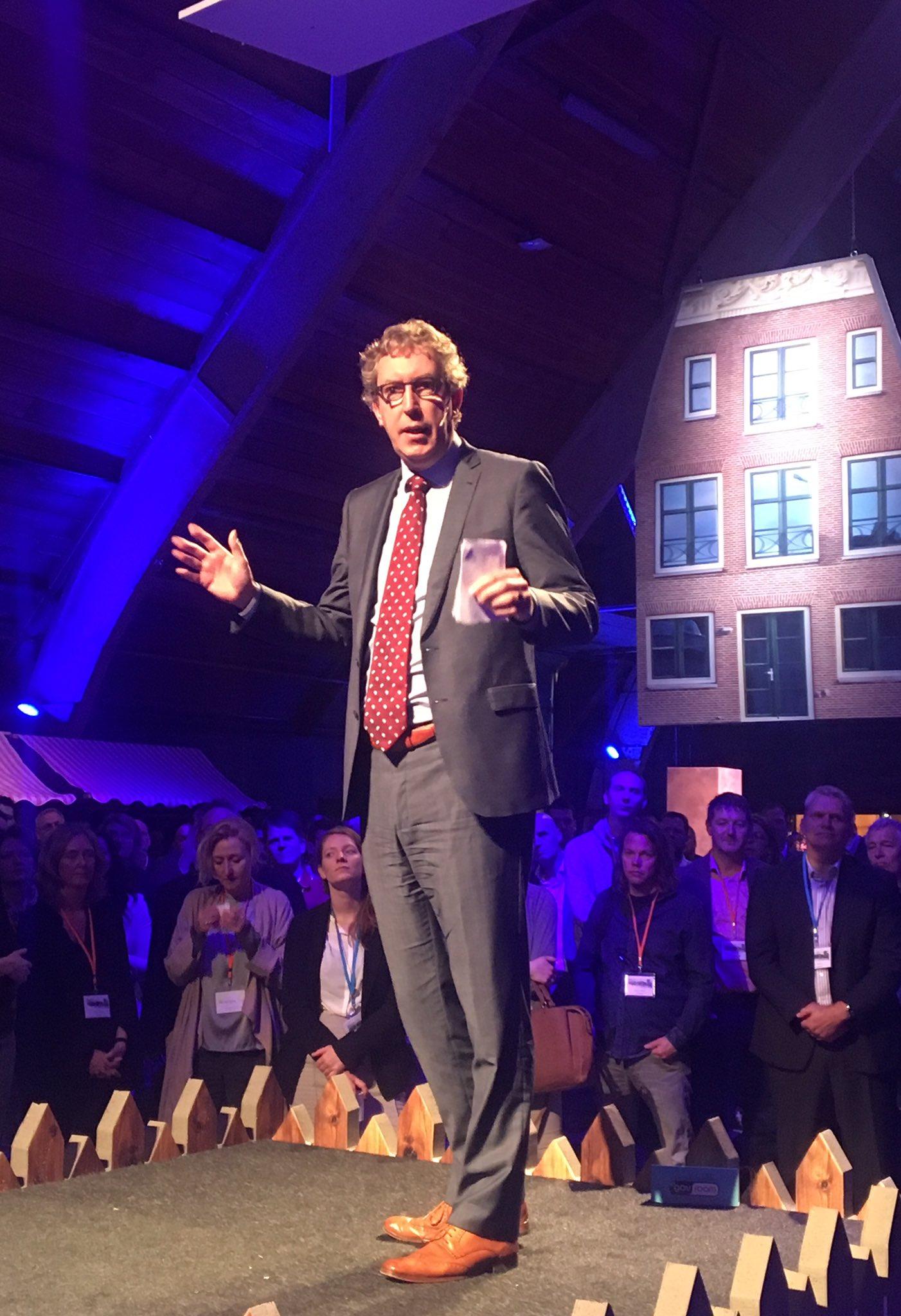 Gemeenten moeten het waarmaken! zegt @JanCvanGinkel #da2020 Bestuurskracht is uitvoeringskracht. https://t.co/VYq9vLvGFW