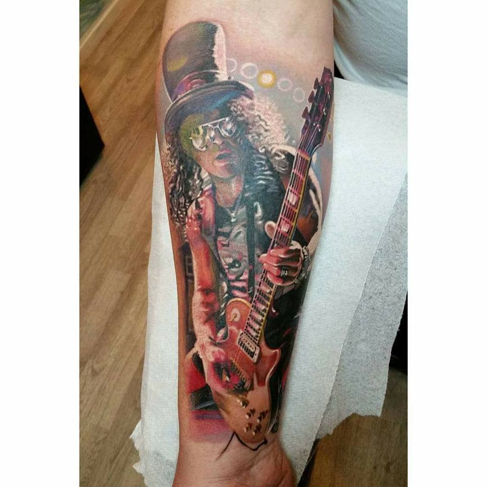 ba2d76e8ae8f0 Got a @gunsnroses tattoo? You'll like this post: http://ow.ly/spg430aACcK # GnR #GnFnRpic.twitter.com/3Y9dLXMloh