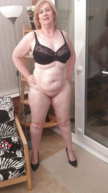 Striptease sexy old grannies