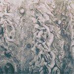 Les nuages de #Jupiter saisis par la sonde Juno  Crédits : NASA/SwRI/MSSS/Uriel  #astronomie  via Dans la Lune