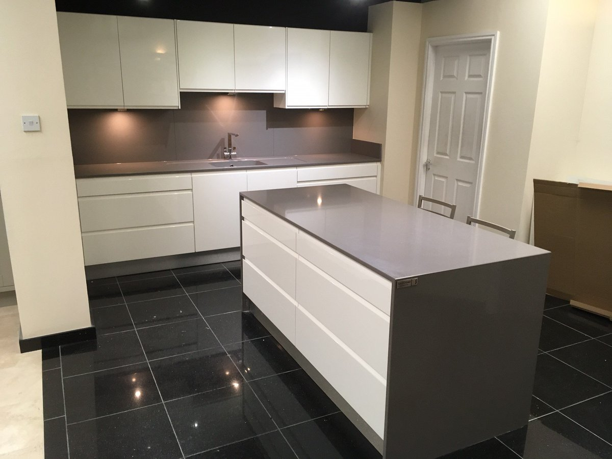 Silestone integrity sink with recess drainer - Cheshire Marble On Twitter The First Of Our New Displays Done Silestone Gris Expo 20mm Mitred End Panels Double Recessed Drainer Area Integrity Sink