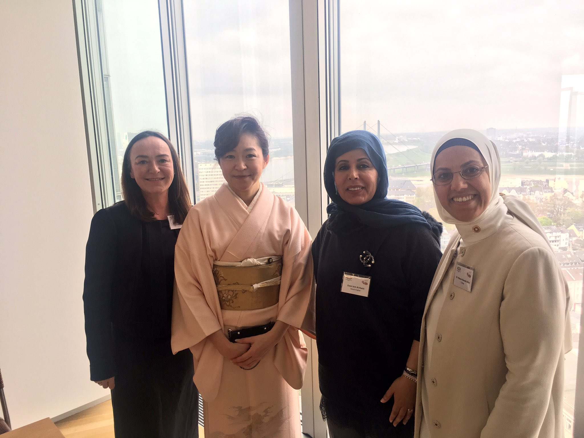Enjoying the view from EY office in Düsseldorf with #womeninpolitics from Japan, Saudi Arabia and Turkey at #G20Digital roundtable https://t.co/f4HIMyyckR