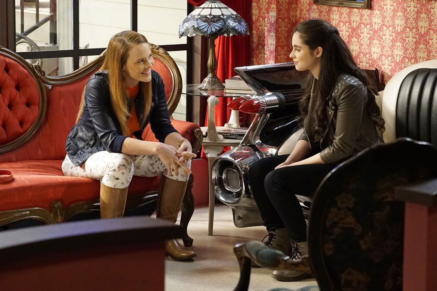 RETWEET if you're going to miss the #swisters. #SwitchedAtBirth https://t.co/lDY3Ktv7Rz