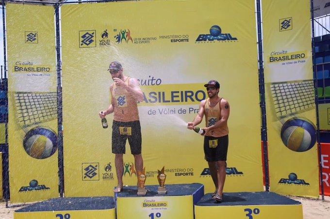 A resposta é Uberlândia e São José! 👏🏻Não deixe de prestigiar @AlisoneBruno no #OpenVitória, #TorcidaBrasil! Os jogos começam nessa sexta! 💛